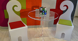 CHAIRS QUESTION AND PLEXIGLASS TABLE